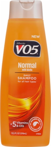 VO5 Normal Balancing Shampoo Perspective: front