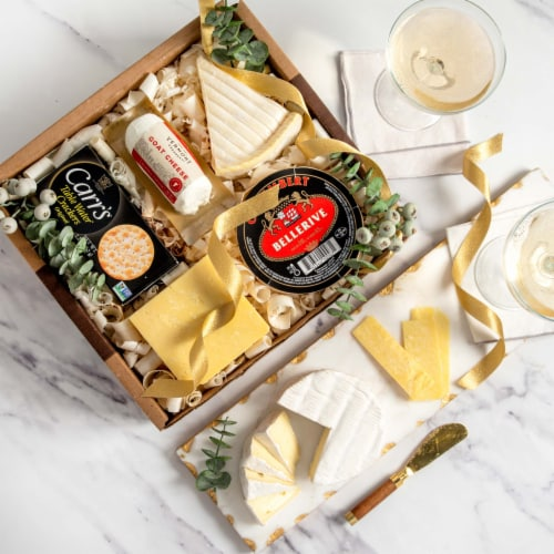 Champagne Cheese Assortment in Gift Box (26.2 ounce) Perspective: front