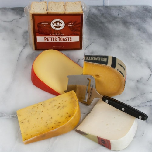 Dutch Cheese Assortment in Gift Box  (2 pound) Perspective: front