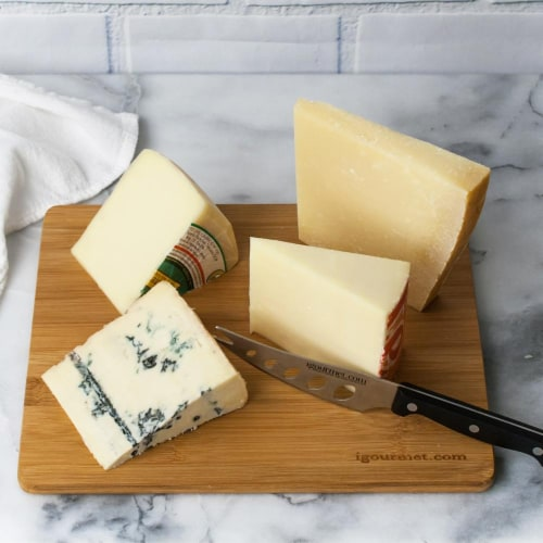 Italian Cheese Board Gift Set (30 ounce) Perspective: front
