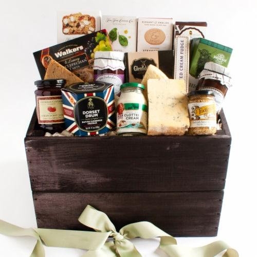 igourmet British Luxury Gift Basket Perspective: front