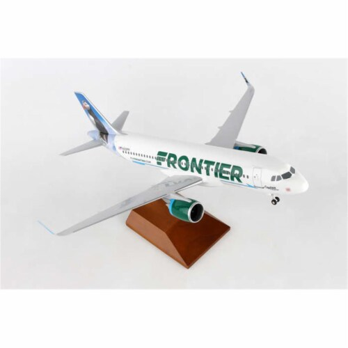 Skymarks SKR8357 Frontier Airlines 1-100 A320 Captain The Puffin Perspective: front