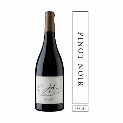 Myles & Moore Pinot Noir Perspective: front