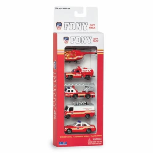 Daron Worldwide Trading RT8750 Fire Dept 5 Piece Vehicle Gift Set Perspective: front