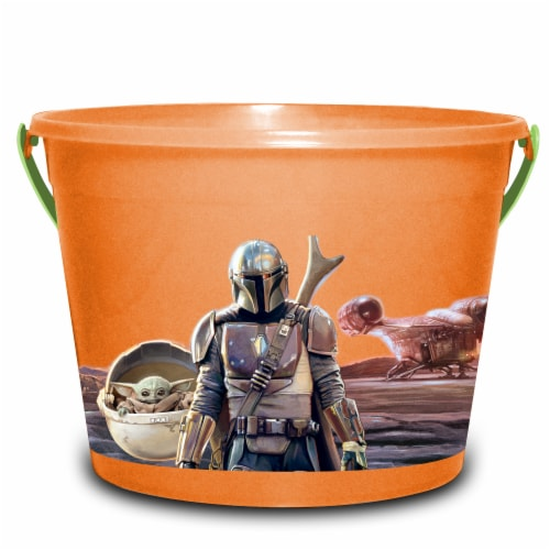 PTI Group The Mandalorian LED Round Plastic Bucket Perspective: front