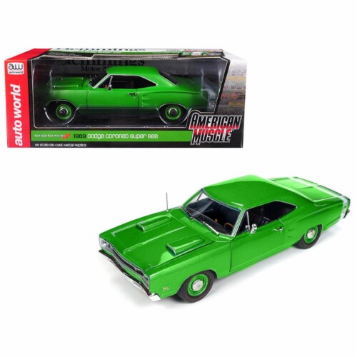 Autoworld AMM1136 1-18 Diecast Scale 1969 Dodge Coronet Super Bee Car Green Hemmings Muscle M Perspective: front