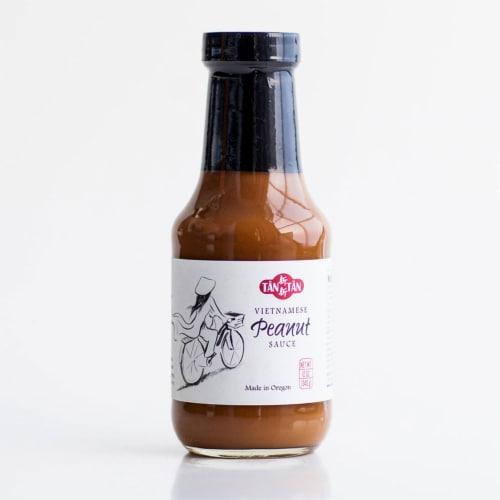 Tan Tan Vietnamese Peanut Sauce Perspective: front