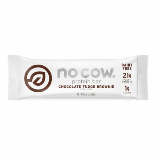 no cow Chocolate Fudge Brownie Protein Bar Perspective: front