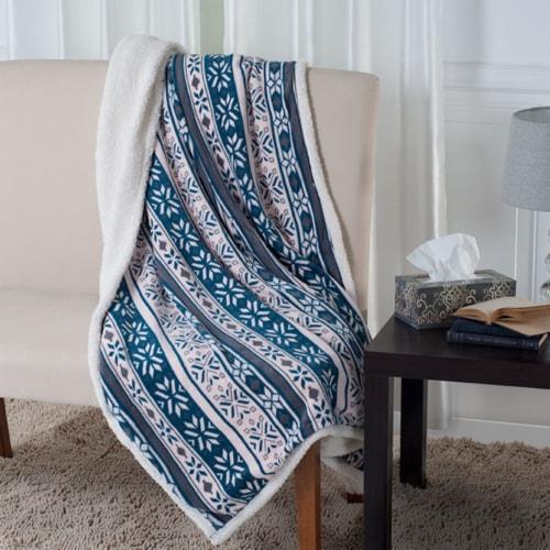 Lavish Home Fleece Sherpa Blanket Throw - Snowflakes Perspective: front
