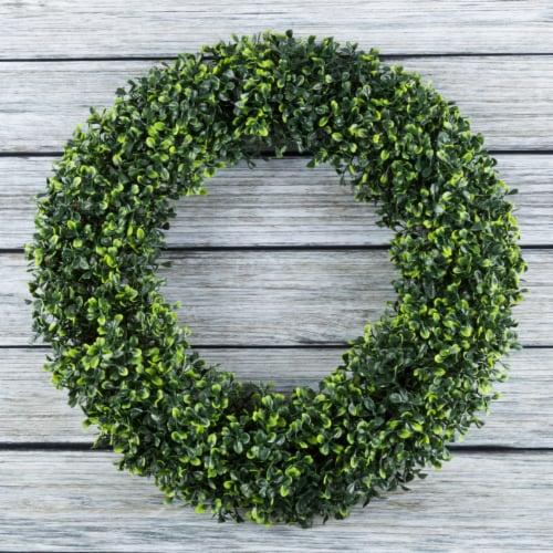 Artificial Boxwood 19.5 inch Round Wreath by Pure Garden Perspective: front