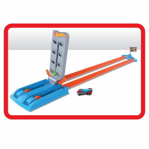 Mattel Hot Wheels® Dragstrip Champion Playset Perspective: front