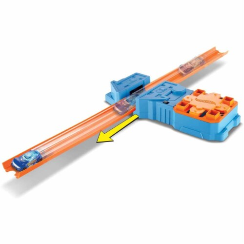 Hot Wheels Track Builder Booster Pack Playset, Multicolor (GBN81) Perspective: front