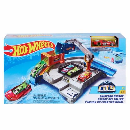 Mattel Hot Wheels® Shipyard Escape Perspective: front