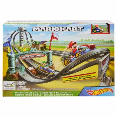 Mattel Hot Wheels® Mario Kart Circuit Lite Track Set Perspective: front