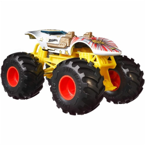 Mattel Hot Wheels® Monster Trucks Giant Wheels Twin Mill Vehicle Perspective: front