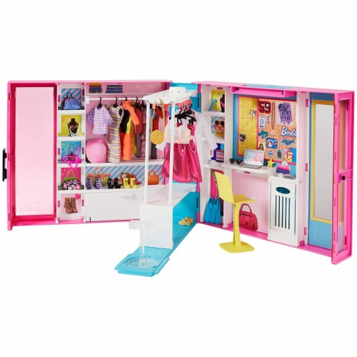 Barbie Dream Closet Fashion Wardrobe Storage with Clothes and Accessories, Pink Perspective: front