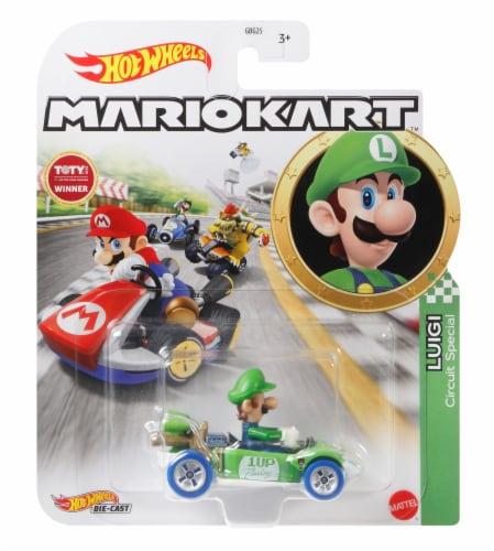 Mattel Hot Wheels® MarioKart Luigi Circuit Special Vehicle Perspective: front