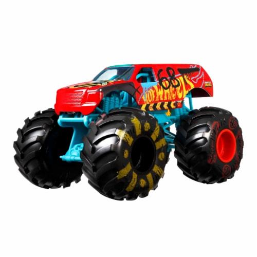 Mattel Hot Wheels® Monster Trucks Demo Derby Vehicle Perspective: front