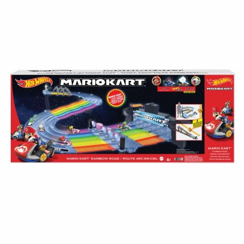 Mattel Hot Wheels Mario Kart Rainbow Road Set Perspective: front