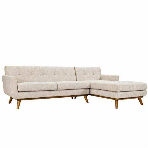 Engage Right-Facing Sectional Sofa Perspective: front