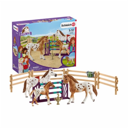 Schleich Lisa's Tournament Training with Appaloosas Playset Perspective: front