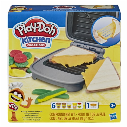 Play-Doh Kitchen Creations Cheesy Sandwich Modeling Compound Playset Perspective: front