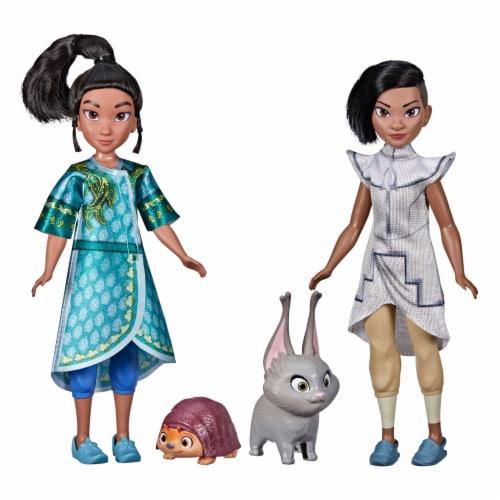 Disney Raya and The Last Dragon Young Raya and Namaari Doll Playset Perspective: front