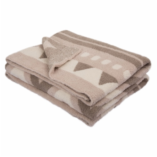 Glitzhome Knitted Polyester Geometric Pattern Feather Yarn Throw Blanket Perspective: front