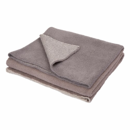 Glitzhome Knitted Polyester Feather Yarn Tricolor Throw Blanket Perspective: front