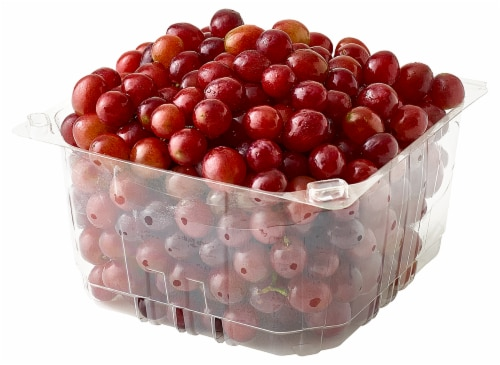 Red Seedless Grapes Perspective: front