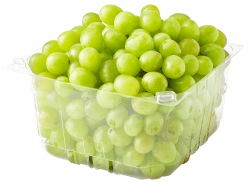 Green Seedless Grapes Perspective: front