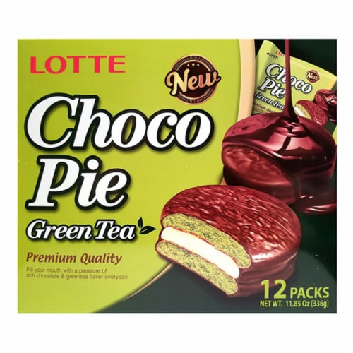 Lotte Green Tea Choco Pie Perspective: front