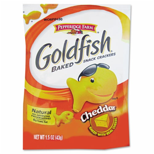 Pepperidge Farm Cheddar Goldfish - 1.5 oz. single serve bag, 72 per case Perspective: front