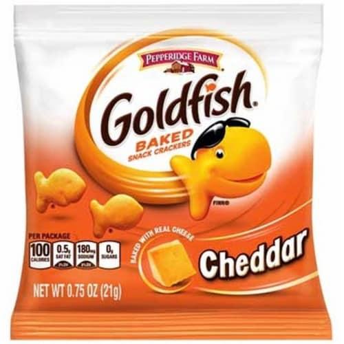 Pepperidge Farm Cheddar Goldfish - 0.75 oz. bag, 300 per case Perspective: front