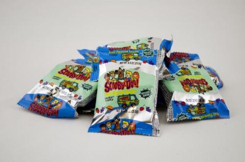Betty Crocker Scooby Doo Fruit Snacks - 0.9 oz. pouch, 96 per case Perspective: front