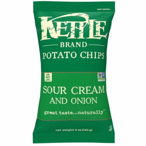 Kettle Brand Gourmet Potato Chips, Sour Cream and Onion, 5.0 Oz. Bag (15 Count) Perspective: front