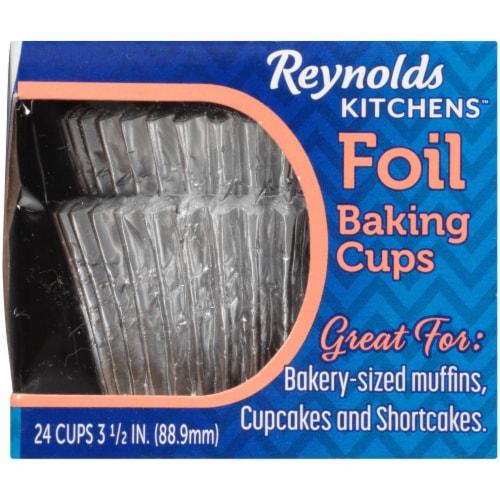 Reynolds Wrap Jumbo Foil Baking Cups Perspective: left
