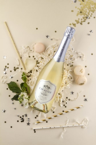 Le Grand Courtâge Blanc de Blancs Brut French Sparkling Wine Perspective: left