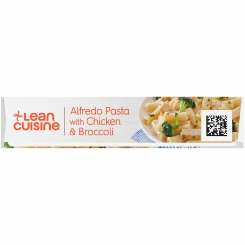 Lean Cuisine Favorites Alfredo Pasta with Chicken & Broccoli Frozen Meal Perspective: left