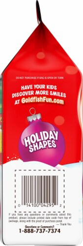 Goldfish Holiday Shapes Cheddar Baked Snack Crackers Perspective: left
