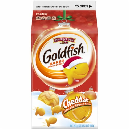 Goldfish Cheddar Crackers Perspective: left