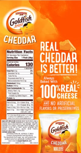 Goldfish Cheddar Baked Snack Crackers Multi-Pack Perspective: left