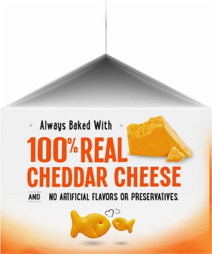 Goldfish Cheddar Snack Crackers Perspective: left