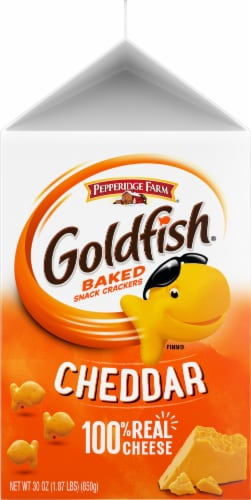 Goldfish Cheddar Baked Snack Crackers Perspective: left