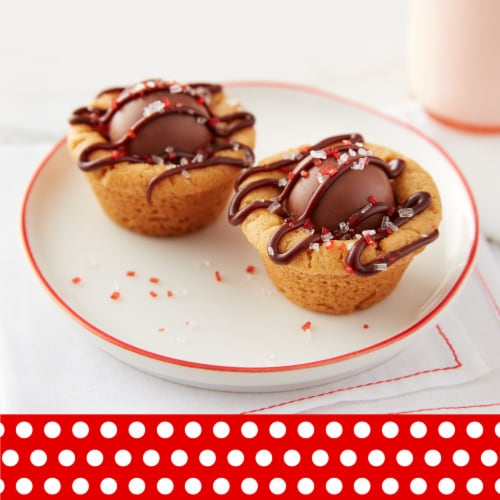 Betty Crocker™ Rich & Creamy Milk Chocolate Frosting Perspective: left