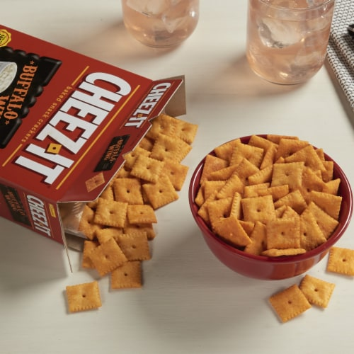 Cheez-It Baked Snack Cheese Crackers Buffalo Wing Perspective: left
