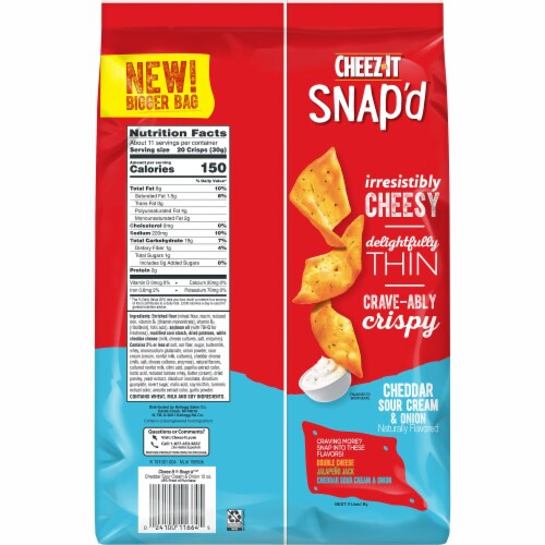 Cheez-It Snap'd Cheddar Sour Cream and Onion Crackers Family Size Perspective: left