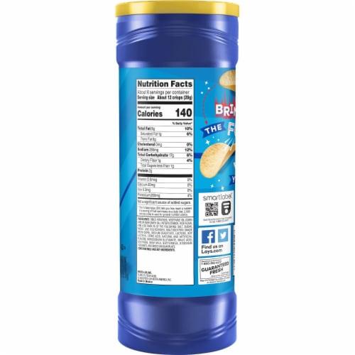 Lay's Stax Potato Crisps Salt & Vinegar Flavor Chips Container Perspective: left