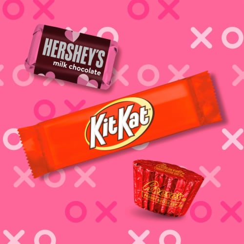 Hershey Valentine's Miniatures Candy Assortment Milk Chocolate Heart Box Perspective: left