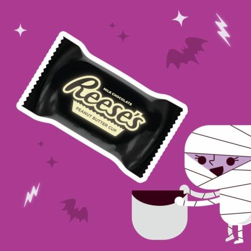 REESE'S Glow in the Dark Halloween Snack Size Perspective: left